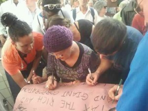 mom with-occupy-petition