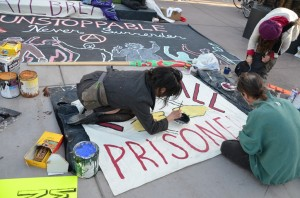 OccupyOakland_children_and_adults_getting_ready_to_march (018)